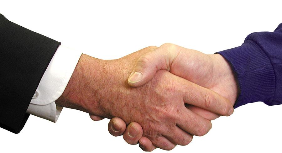 Formalización de 4 contratos de licitaciones de obras públicas